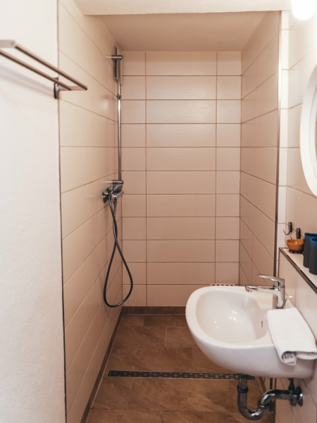 FeWo im Erdgeschoss: Bad und WC
