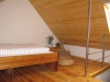 DG - Zimmer 2 - Mansarde Blick zur Treppe