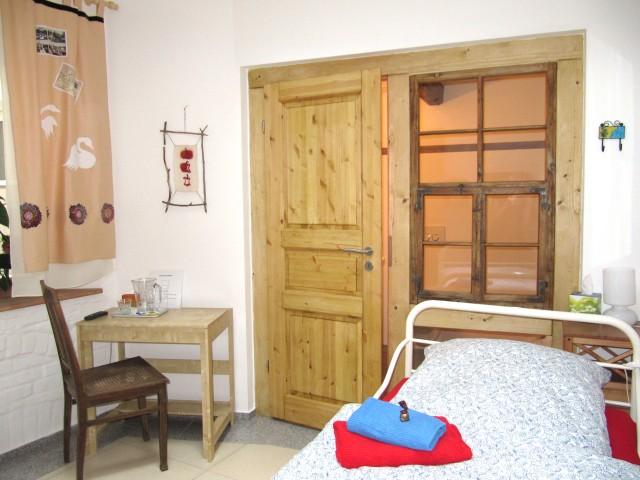 OG - Zimmer 4 - Raumansicht zum Fenster