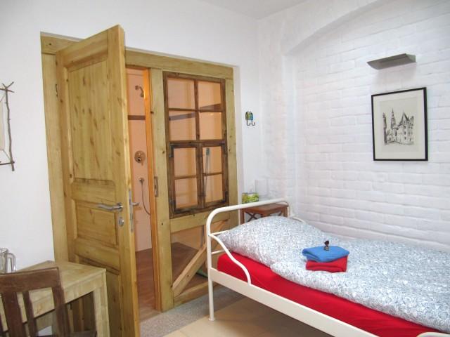 OG - Zimmer 4 - Raumansicht zur Tür